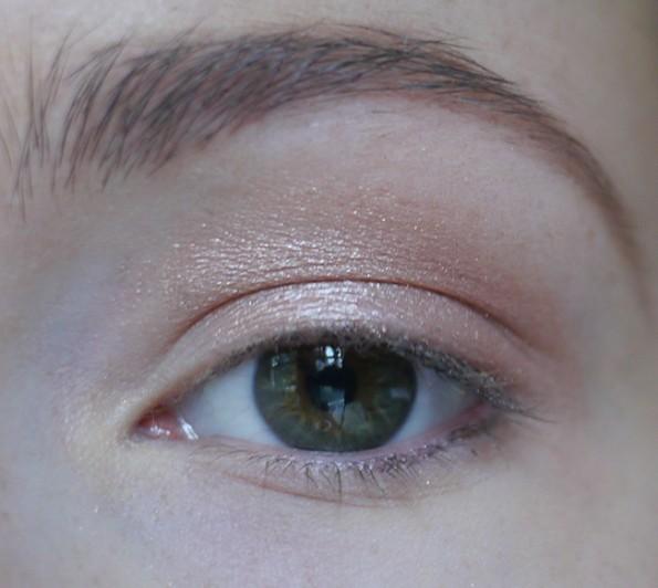 how to: ooglook met één kleur oogschaduw • cynthia