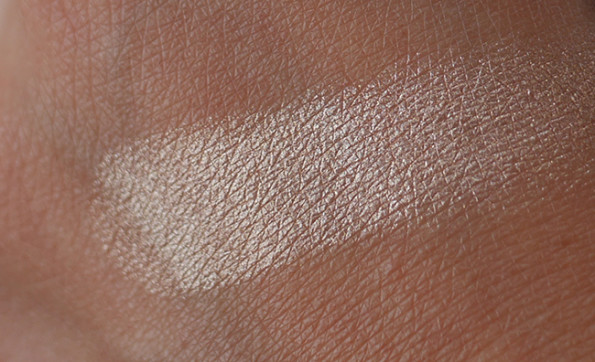 Becca Champagne Pop Shimmering Skin Perfector