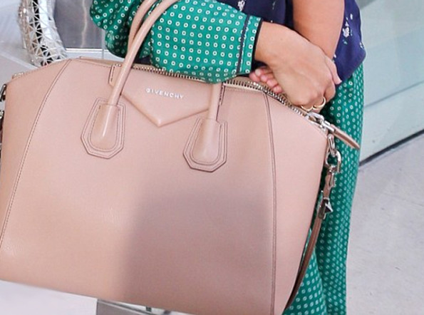 Kourtney-Kardashian-Givenchy-nude-leather-tote-bag-