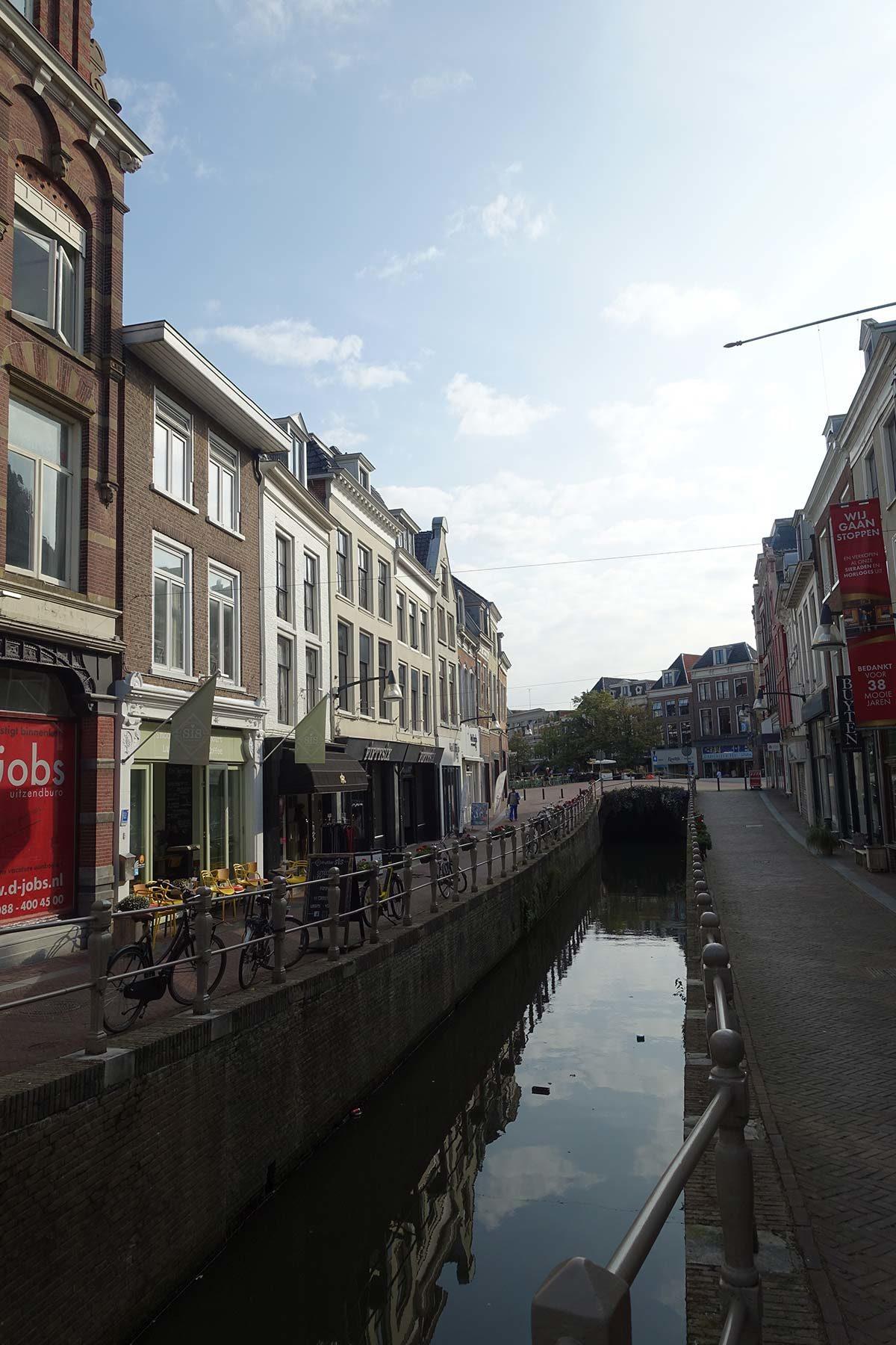 reizen hoeren dildo in Leeuwarden